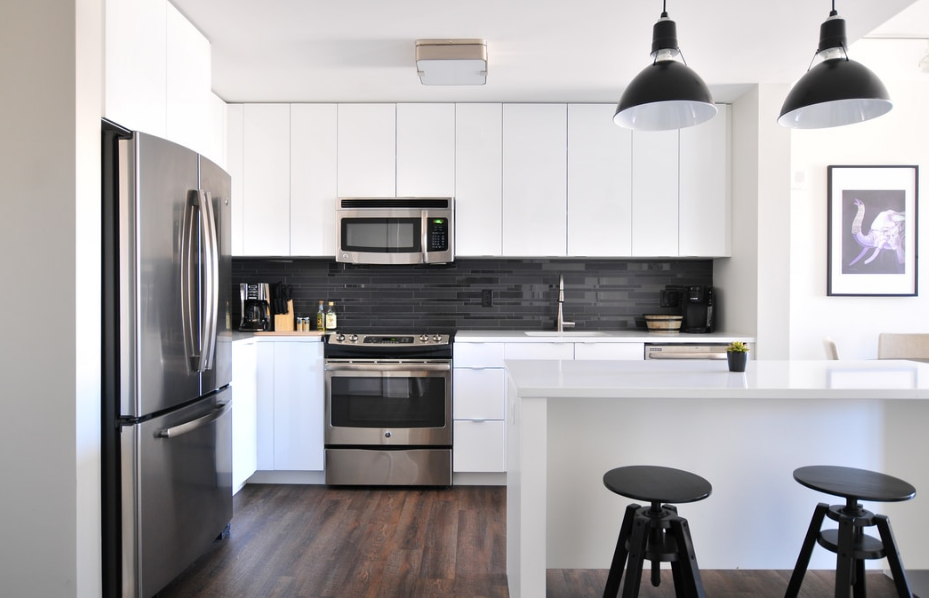 Pros and Cons of Buying a Display Home